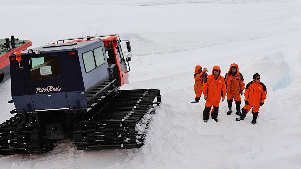 Pisten Bully - © International Polar Foundation / Jean de Pomereu