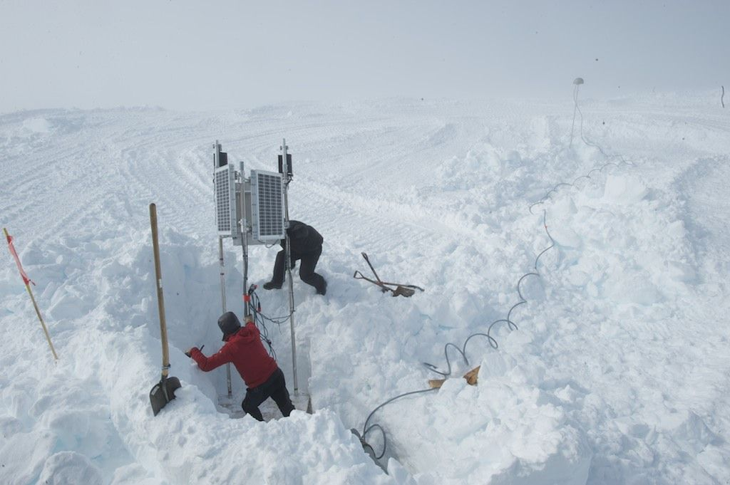 Maintaining a GPS station on Derwael Ice Rise. - © International Polar Foundation