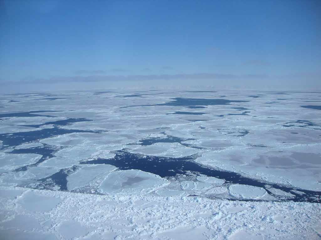 North Water Polynya in the Canadian Arctic - © GOVERNMENT OF NUNAVUT, M. DYCK
