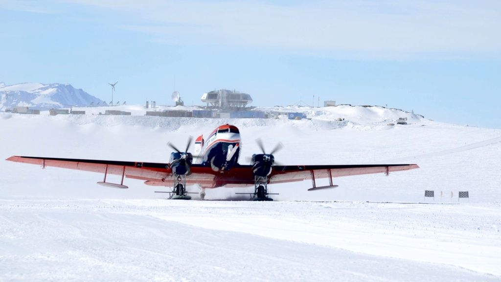 AWI's Polar 6 aircraft takes off from the runway at the Princess Elisabeth Antarctica research station. - © International Polar Foundation / Jos Van Hemelrijck