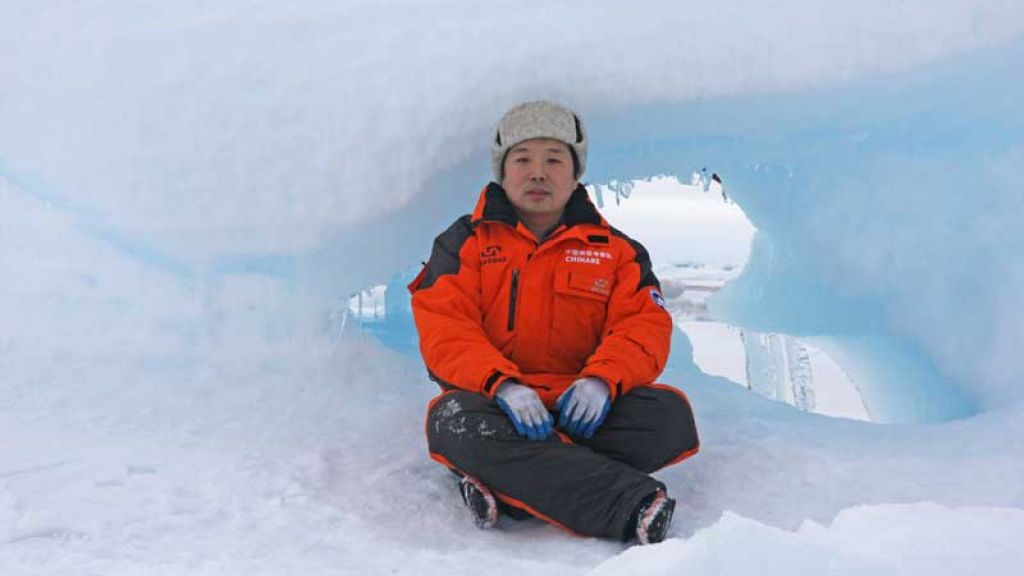 Dr. Jiping Liu in the field in during a CHINARE expedition - © Jiping Liu