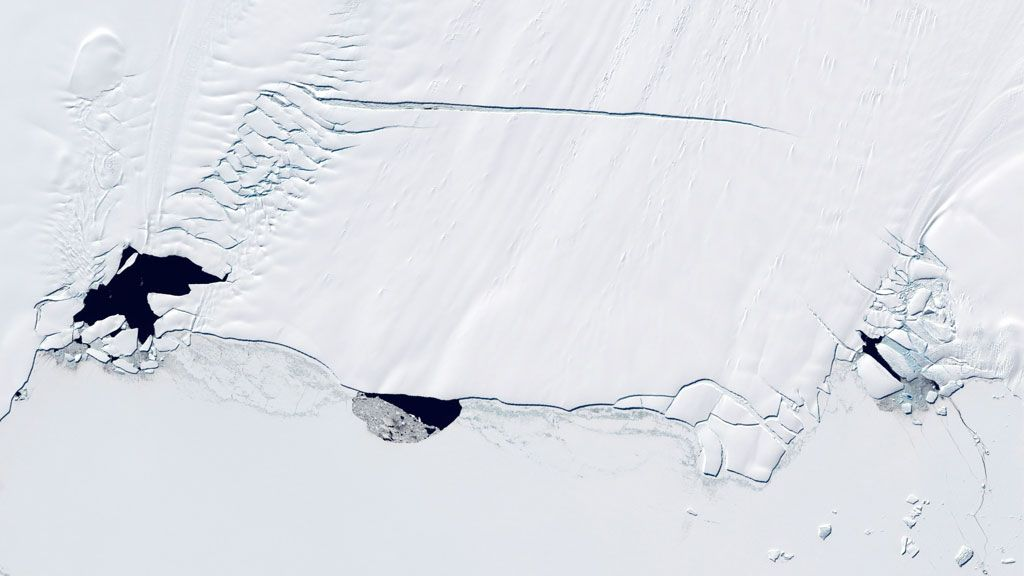 Polynyas on the Pine Island Glacier in West Antarctica - © NASA